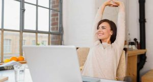 do desk stretches to stay healthy all day