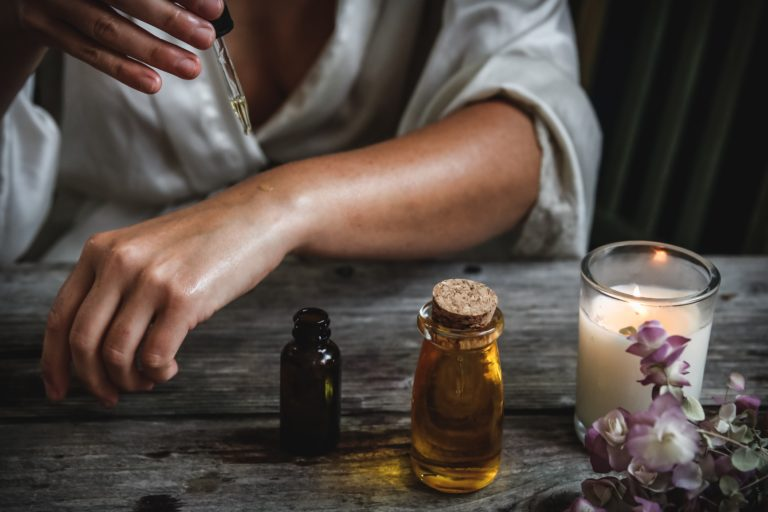Want to Try Aromatherapy for Stress Relief? Read This First!